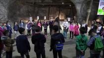 Yerin Altında 'Sokak Oyunları' Oynadılar