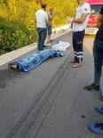 Balıkesir'de Otomobil Tarlaya Uçtu Açıklaması 2 Ölü, 3 Yaralı