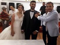 TENDÜREK DAĞI - Başkan Pamuk, Ağrı Gazisini Düğününde Yalnız Bırakmadı