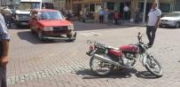 KENAN EVREN - Kula'da Otomobil İle Motosiklet Çarpıştı Açıklaması 1 Yaralı