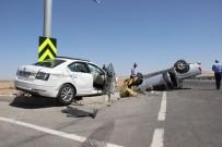 Otomobil Kamyonete Çarptı Açıklaması 1 Ölü, 4 Yaralı