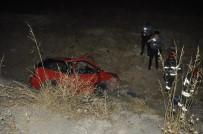 KıRıM - Otomobil Uçuruma Yuvarlandı Açıklaması 2 Yaralı