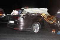 Otomobille Kamyon Çarpıştı Açıklaması 2 Ölü, 4 Yaralı