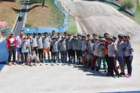 BATMAN BELEDIYESI - (Özel) Terörden Uzaklaşan Çocuklar Sıcak Havada Kayak Keyfi Yaşıyor