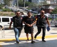 ALAADDIN KEYKUBAT - Polisi Görünce Uyuşturucu Hapla Dolu Poşeti Yuttu