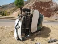 Tokat'ta Trafik Kazası 3 Yaralı