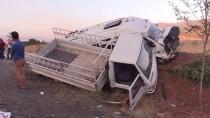 Tunceli'de Kamyonetle Minibüs Çarpıştı Açıklaması 20 Yaralı