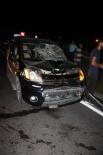 Yoldaki Tel Örgülerden Geçmek İsterken Aracın Üzerine Düşen Şahıs Öldü