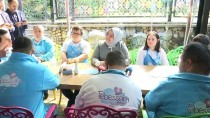 ÜSKÜDAR BELEDİYESİ - Bakan Selçuk, Tebessüm Kahvesi Ve Engelsiz Yaşam Merkezi'ni Ziyaret Etti