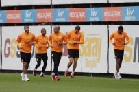 SELÇUK İNAN - Galatasaray, Porto Maçı Hazırlıklarını Sürdürdü