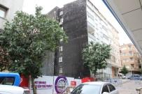 CEMAL GÜRSEL - Güngören'de Bir Bina Yıkılma Riskine Karşı Boşaltıldı
