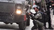 PLASTİK MERMİ - İsrail, Batı Şeria'da 3 Filistinliyi Gözaltına Aldı