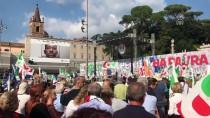 HÜKÜMET KARŞITI - İtalya'da Hükümet Karşıtı Büyük Miting