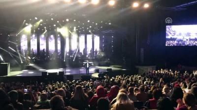 Selami Şahin Harbiye'de konser verdi