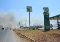 SÖNDÜRME TÜPÜ - Akaryakıt İstasyonu Yakınında Korkutan Yangın