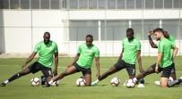 KıBRıS RUM KESIMI - Atiker Konyaspor'da 6 Oyuncu Milli Takımlara Davet Edildi