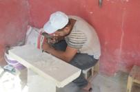 MEZAR TAŞI - Ayda 9 Bin TL'ye Çalıştıracak İşçi Bulamıyor