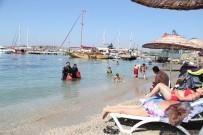 GÖKOVA - Mavi Bayraklı Halk Plajında Deniz Dibi Temizliği