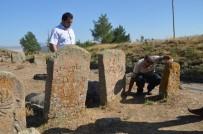 MEZAR TAŞI - Osmanlı Dönemine Ait Mezar Taşları İncelendi