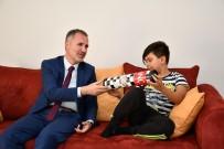 AHMET CAN - Taban Köpek Saldırısına Uğrayan Çocuğu Ziyaret Etti