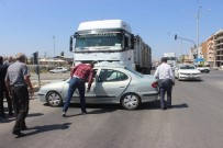 TUNÇBILEK - Tavşanlı'da Trafik Kazası Açıklaması 3 Yaralı