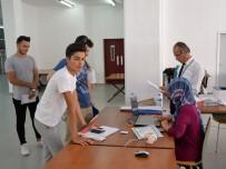 HUKUK FAKÜLTESI - Uludağ Üniversitesi'nde kayıtlar başladı
