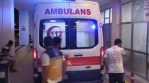 AMBULANS ŞOFÖRÜ - Yardıma Giden Sağlık Ekipleri Darbedildi