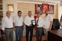 YAĞLI GÜREŞ - Ahmetli Belediye Başkanı Alhan'dan Başkan Çerçi'ye Plaket