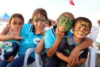PATLAMIŞ MISIR - Aileleri Tarlada, Çocukları Bilim Ve Sanat Eğitiminde