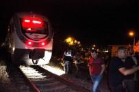 GENÇ KADIN - Evini İki Kez Ateşe Veren Kadın, Tren Raylarında İntihar Etti