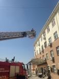 İTFAİYE MERDİVENİ - Kulu Devlet Hastanesinde Kurtarma Tatbikatı Yapıldı