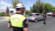 AMBULANS ŞOFÖRÜ - Niğde'de Ambulans İle Otomobil Çarpıştı Açıklaması 4 Yaralı