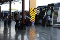 OTOBÜS FİRMASI - Otogarlarda 'Mülteci Yolcu' Fırsatçılığı