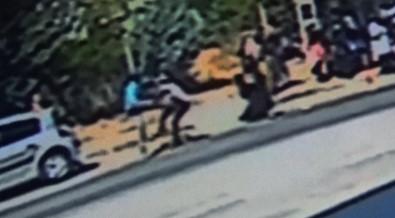 Otopark görevlisini bıçakla kovaladılar
