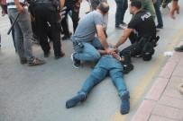 Şüpheli Araçtaki Şahıslar Kavga Çıkardı, 1 Polis Yaralandı
