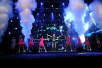ÖMÜR GEDİK - Ünlü Sanatçı Serdar Ortaç, Harbiye'de Hayranlarına Unutulmaz Bir Konser Verdi
