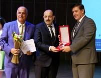 GIRESUN ÜNIVERSITESI - YÖK Başkanı Saraç'a Türk Fizik Derneği Özel Onur Ödülü