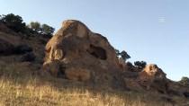 3 Bin Yıllık Kaya Mezarlar Ziyaretçilerini Bekliyor