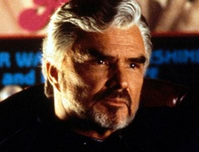Dünyaca ünlü aktör Burt Reynolds, hayatını kaybetti!