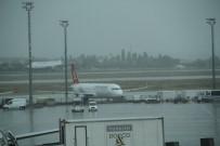 APRON - Atatürk Havalimanı'nda Uçuşlara Şiddetli Yağış Engeli