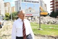 GECEKONDU - Başkan Memduh Büyükkılıç, Bozgedik Cami İnşaatında İncelemelerde Bulundu