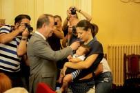 Belediye Meclis Toplantısına 2 Aylık Bebeği İle Katıldı