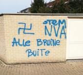 İSLAMOFOBİ - Fransa'da Camiden Çıkan Cemaate Irkçı Saldırı