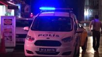 OKMEYDANı - Kağıthane'de Silahlı, Bıçaklı Kavga Açıklaması 1'İ Ağır 2 Yaralı