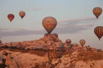 GÖREME - Kapadokya Bölgesini Ağustos Ayında 412 Bin 559 Turist Ziyaret Etti