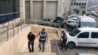 Kendini Polis Ve Savcı Diye Tanıtan Dolandırıcı Suçüstü Yakalandı