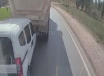 KAMYON ŞOFÖRÜ - Kızgın Sürücü Güvenlik Kamerasını Hesap Edemedi