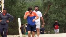 GÜREŞ MİLLİ TAKIMI - Milli Güreşçiler Dünya Şampiyonası Yolunda