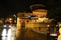 SABAH NAMAZı - Sultanbeyli'de Korkutan Cami Yangını