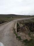 HARUN YÜCEL - Tarihi Köprüye Dökülen Asfalt Söküldü